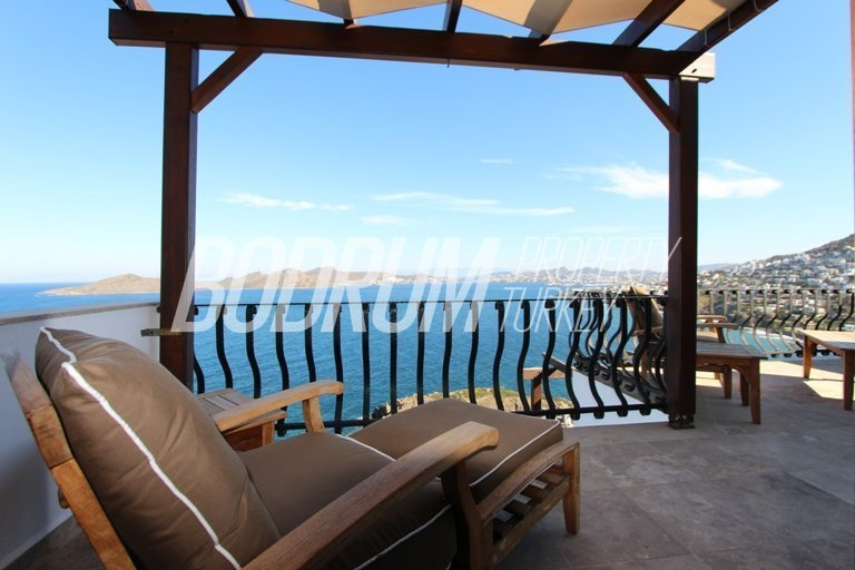 Outstanding Yalikavak Penthouse with Sea Views